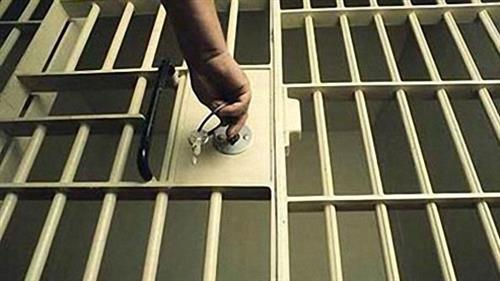 السجن 25 عاماً في حق عامل تايلاندي بتهمة اهانة المَلك على الفيسبوك